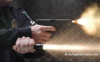 6 способов удержания тактического фонарика и пистолета